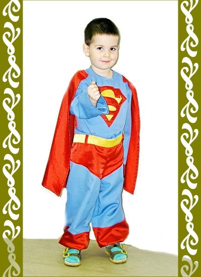 kostým Supermana, půjčovna maškarní kostýmx Praha, ladana