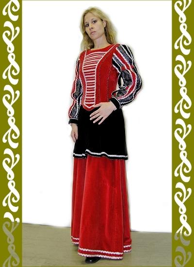 historický kostým renesance červená, půjčovna Ladana
